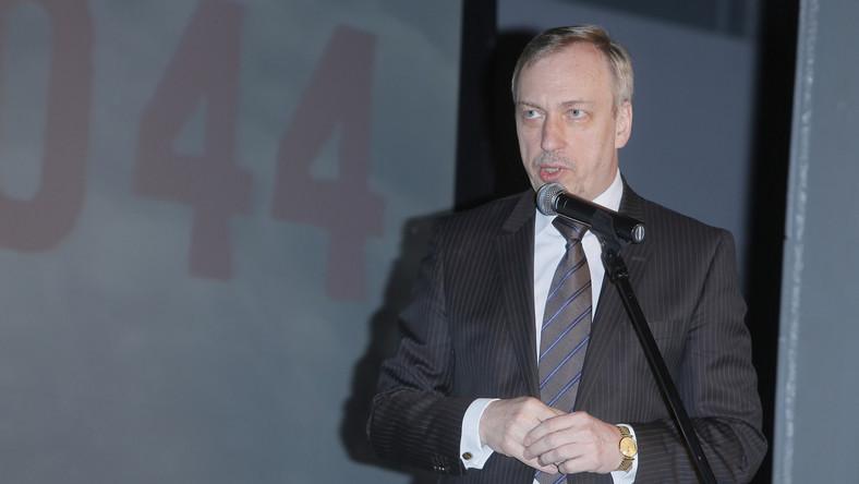 Minister kultury wtrąca się w emerytury