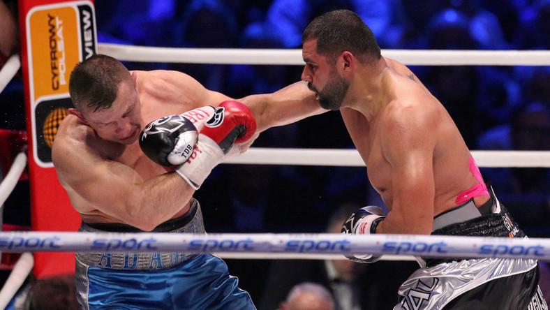 Pojedynek (waga ciężka) został zakontraktowany na 12 rund.