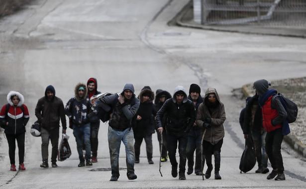 Szefowie Komisji Europejskiej, Rady Europejskiej i Parlamentu Europejskiego - Ursula von der Leyen, Charles Michel i David Sassoli - jadą we wtorek do Grecji, żeby okazać wsparcie dla tego kraju w obliczu kryzysu z tysiącami uchodźców u jego granic.