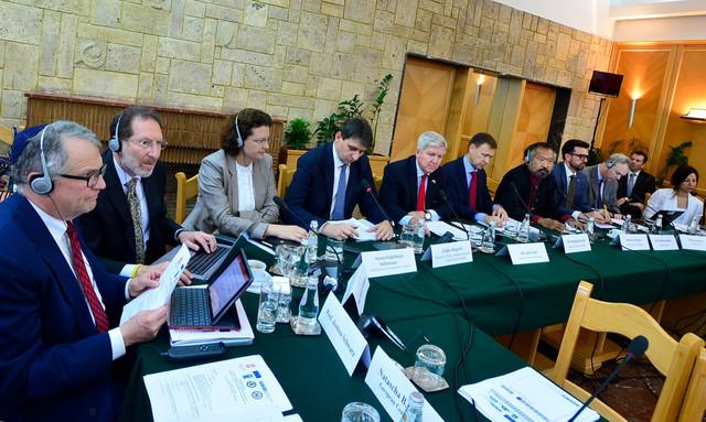 Učesnici konferencije o javnim nabavkama danas u Beogradu