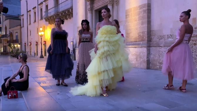 Žuta haljina ukrala šou