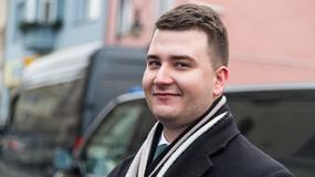 """Bartłomiej Misiewicz na zdjęciu z Ewą Piątkowską. """"Piękni, młodzi, bogaci"""""""