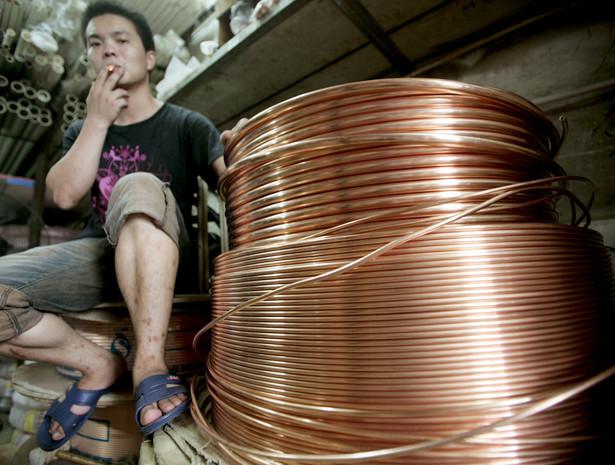 Na giełdzie w Szanghaju tona miedzi w dostawach na luty 2013 r. staniała o 0,7 proc., do 55 tys. 930 juanów (8 tys. 977 dol.).