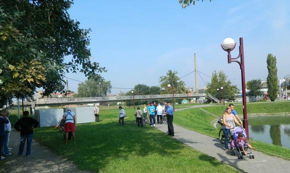 Građani traže raskid ugovora: Sa jučerašnjeg protesta pored jezera