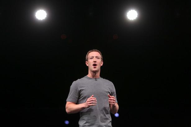 Przemówienie Marka Zuckerberga, szefa Facebooka, w czasie prezentacji nowych smartfonów Samsunga podczas Mobile World Congress w Barcelonie, 21.02.2016.
