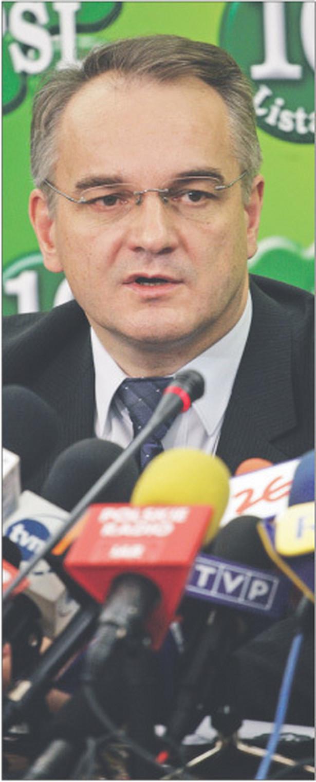 W kwietniu do Sejmu mają trafić projekty przepisów antykryzysowych wynegocjowanych w Komisji Trójstronnej kierowanej przez wicepremiera Waldemara Pawlaka Fot. Wojciech Górski