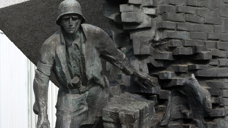 Powstanie Warszawskie. Pomnik na placu Krasińskich w Warszawie