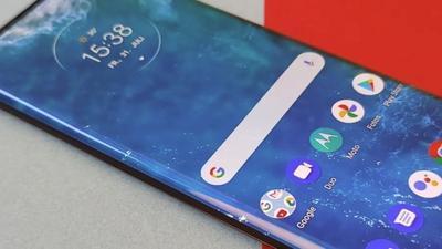 Mittelklasse-Smartphones: Bis zu 485 Euro mit Vertrag sparen