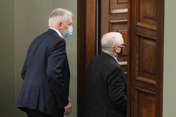 Kaczyński nie zdecydował się na usunięcie Gowina z rządu, a ten z kolei nie pali się do opuszczenia Zjednoczonej Prawicy
