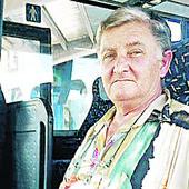 DNEVNO PREĐE GRANICU 48 PUTA Vozač autobusa iz Bačke Palanke zbog posla MENJA PASOŠ NEKOLIKO PUTA GODIŠNJE