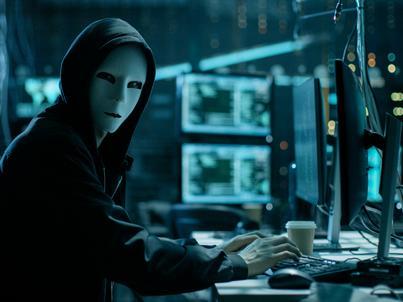 Hakerzy podsłuchują dane wpisywane na klawiaturze, podszywają się pod zaufane strony internetowe, by zdobyć loginy i hasła do poczty e-mail, mediów społecznościowych i kont bankowych