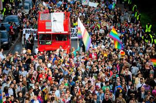 Tęcza nie obraża? 'Dzięki fobiom Brudzińskiego flaga dotarła do szerszej publiczności' [WYWIAD]