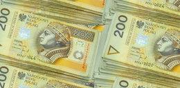 Panika na rynku walutowym! Złoty leci na łeb na szyję
