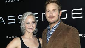 "Namiętne pocałunki Jennifer Lawrence i Chrisa Pratta w ""Passengers"""