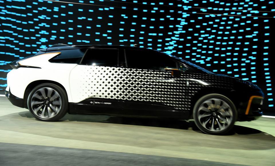 Faraday Future to firma kontrolowana przez LeEco należącą do Jia Yuetinga. Jest on też udziałowcem firmy Atieva, która też chce zająć miejsce na rynku producentów elektrycznych samochodów