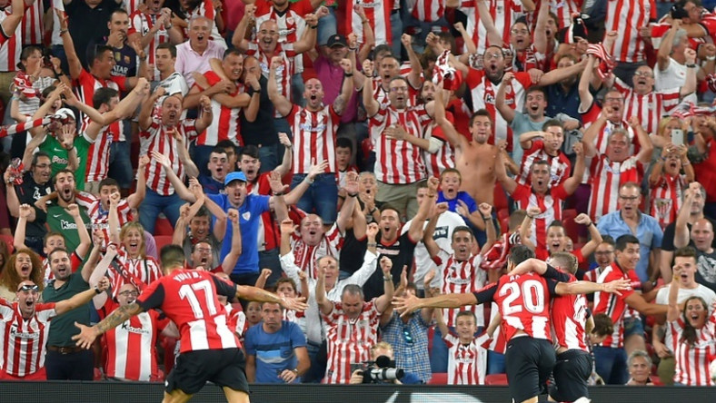 Athletic Bilbao's Spanish forward Aritz Aduriz celebrates his goal