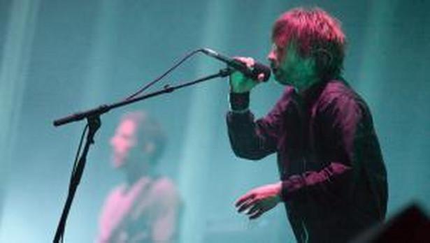 Zespół Radiohead jako jeden z pierwszych umieścił płytę w sieci z prośbą, by każdy, kto ten album pobierze, wpłacił na konto twórców tyle, ile uważa za słuszne.