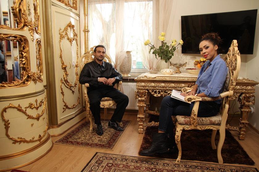 Zarówno on, jak i jego starszy brat – Vasyl Junior – związani są z przemysłem muzycznym.
