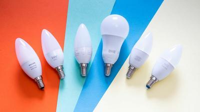 Von 15 Euro bis Hue: 6 smarte RGB-Lampen mit E14-Sockel im Vergleich