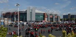 Manchester United zapłaci kibicom za... alarm bombowy?