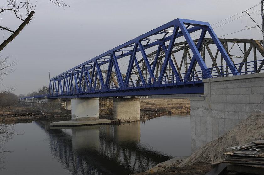Wyremontowany kolejowy most zachodni nad Odrą we Wrocławiu
