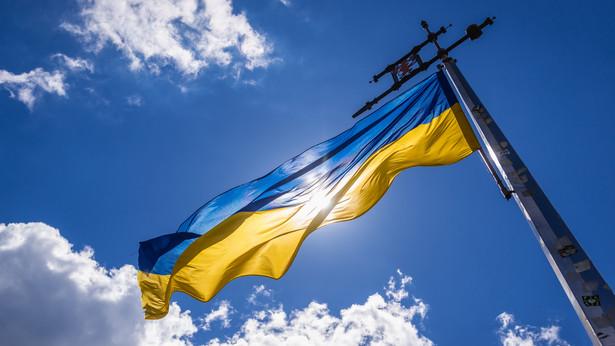 Od początku pandemii zarejestrowano na Ukrainie prawie 2,4 mln infekcji i 55,4 tys. zgonów.