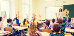 Plusy i minusy pracy nauczyciela. Na co się skarżą?