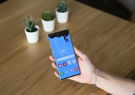 Galaxy Note 10+ ima ekran od 6,8 inča