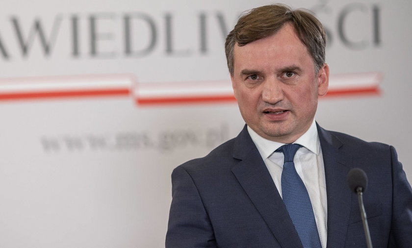 Sąd Najwyższy kwestionuje ustawę Ziobry w sprawie dezubekizacji