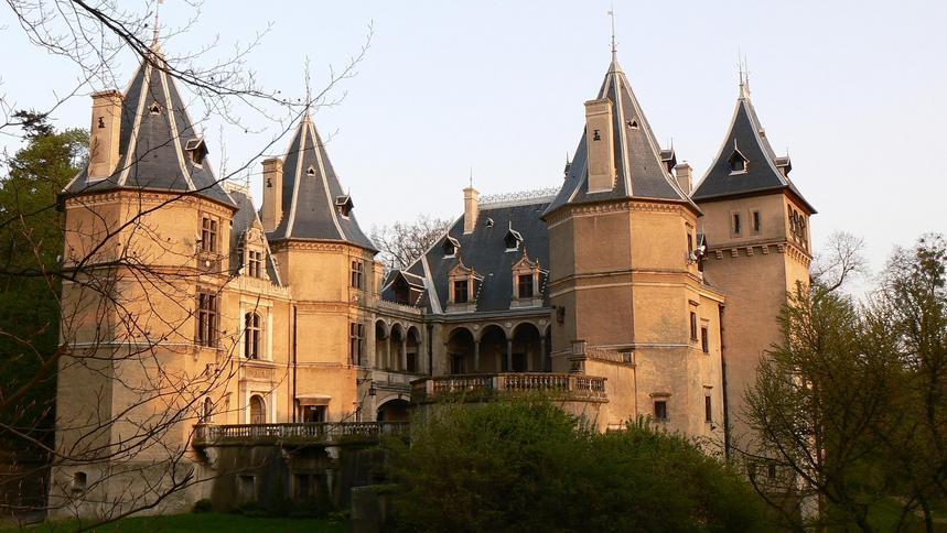 Zrujnowany zamek z 1530 r