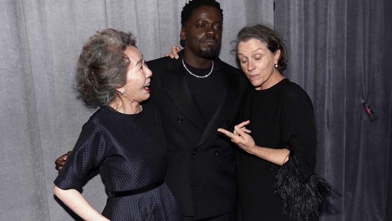Yuh-Jung Youn, Daniel Kaluuya i Frances McDormand