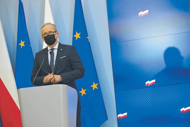 Minister zdrowia Adam Niedzielski zachęca placówki medyczne i lekarzy rodzinnych do promocji szczepień