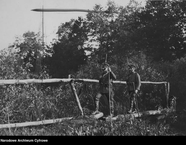 Patrol KOP-u na bagnach, na granicy polsko-radzieckiej.