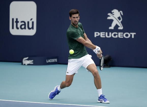 Novak Đoković na treningu u Majamiju