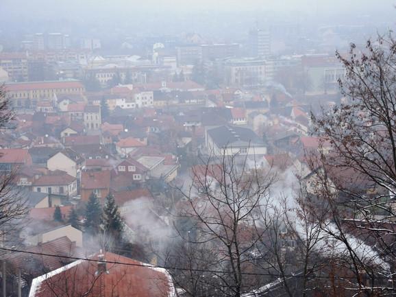 Pogled na Valjevo u smogu