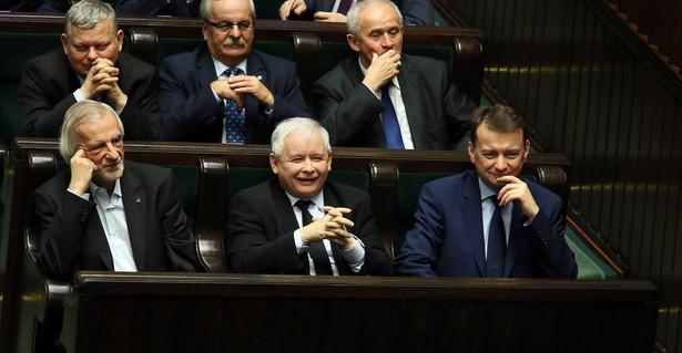 Trybunał sądzi, że ma nieograniczoną władzę, twierdzą politycy PiS