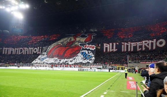 Koreografija navijača Milana