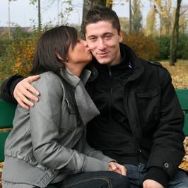 Anna i Robert Lewandowscy zostali rodzicami. Jak się poznali? Poznajcie historię ich miłości