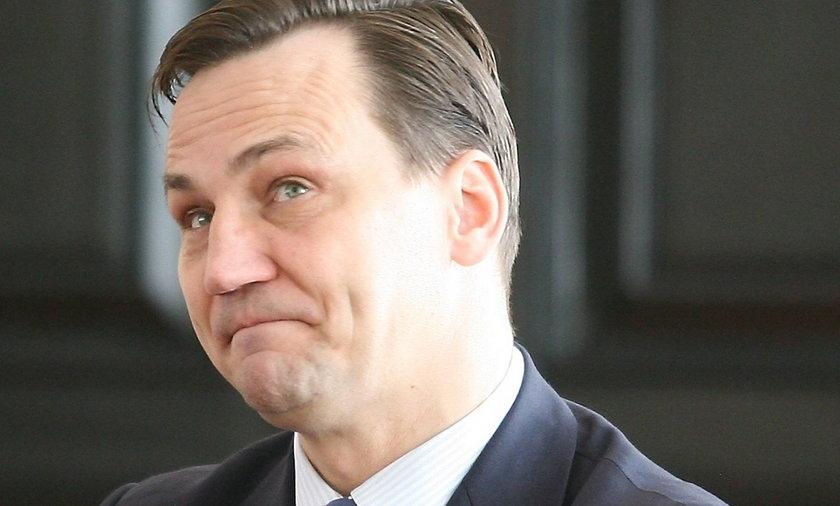 Minister zamawia już bony na Boże Narodzenie. Po 400 zł na głowę!