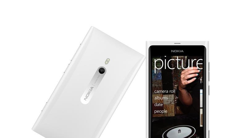 White Lumia 800