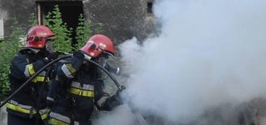 Pożar osinobusa w Bierach. W jego wnętrzu znaleziono zwęglone ciało