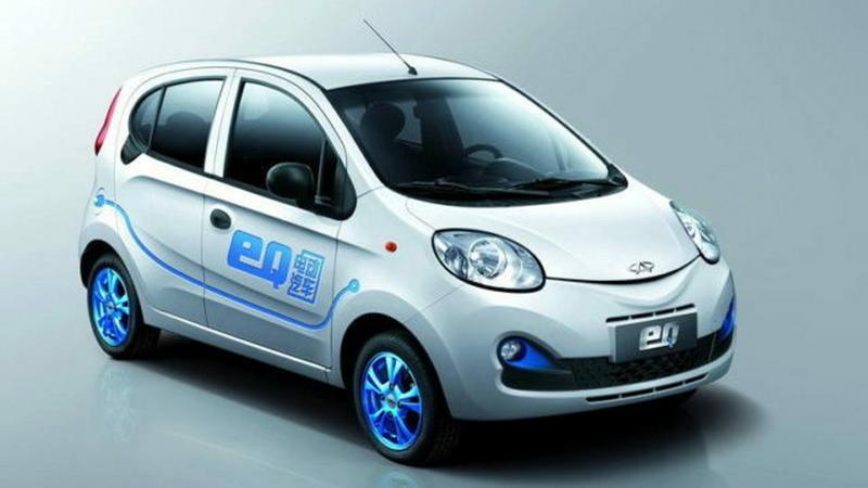 Chiny zakażą sprzedaży i produkcji samochodów z silnikami spalinowymi