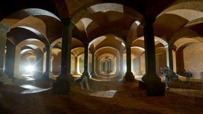 """Łódź - """"podziemna katedra"""" pełna wody"""