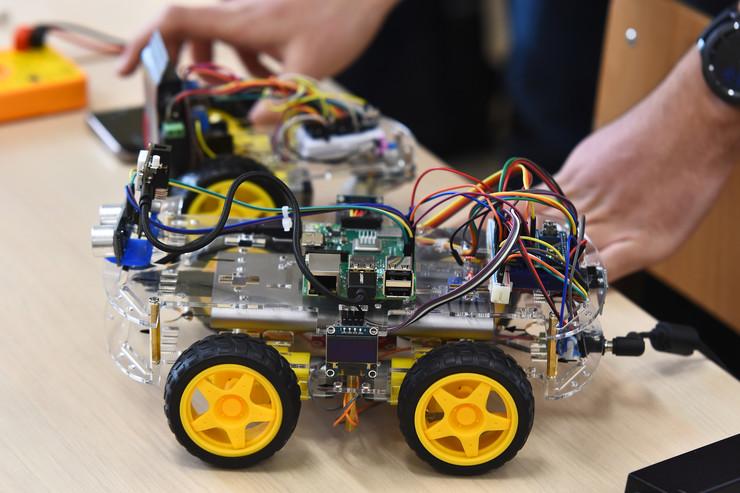 Novi Sad69 robot elektrotehnicka skola Mihajlo Pupin foto Nenad Mihajlovic