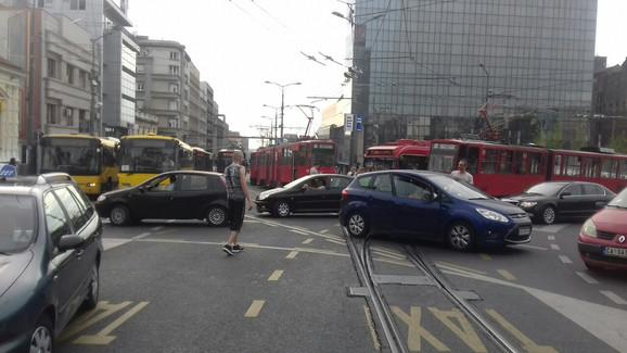 Svi tramvaji preko Slavije