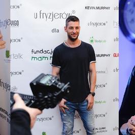 Filip Bobek, Julia Kamińska, Leszek Stanek podczas wieczoru charytatywnego. Ale spójrzcie tylko na Izabelę Trojanowską! Wygląda… rewelacyjnie!
