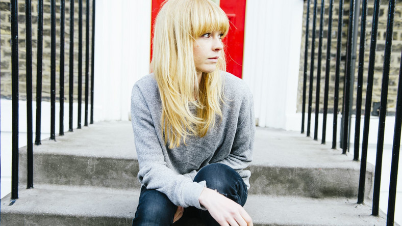 Lucy Rose Parton sama pisze piosenki, gra na pianinie i gitarze
