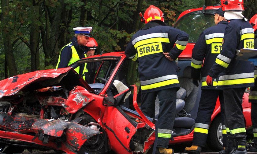 Tragiczny wypadek koło Człuchowa. Nie żyją dwie osoby