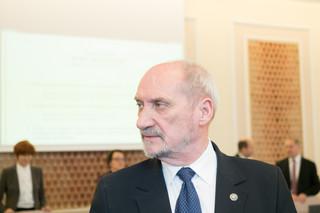 Macierewicz: W ciągu kilku dni finał negocjacji w sprawie zakupu śmigłowców Caracal