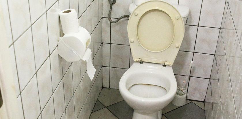 Pijani zniszczyli toaletę. Dlaczego?